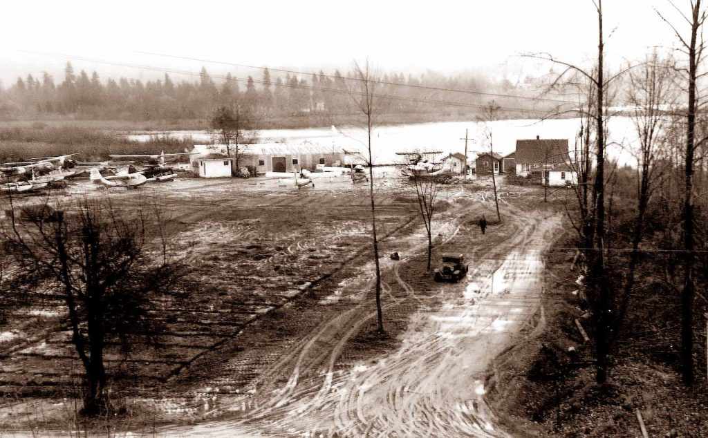 Bob Munro establishes Kenmore Air Harbor in a former swamp beside the lake