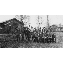 24.The_1909_crew_at_McMaster_Mill