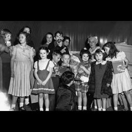 196.Holiday_arty_at_Kenmore_club