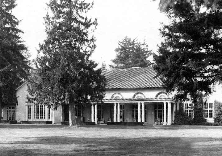 Inglewood Golf and Country Club burns; rebuilt in 1925